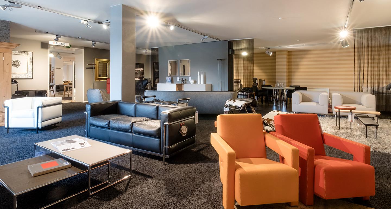 ausstellung sessel m bel braum. Black Bedroom Furniture Sets. Home Design Ideas