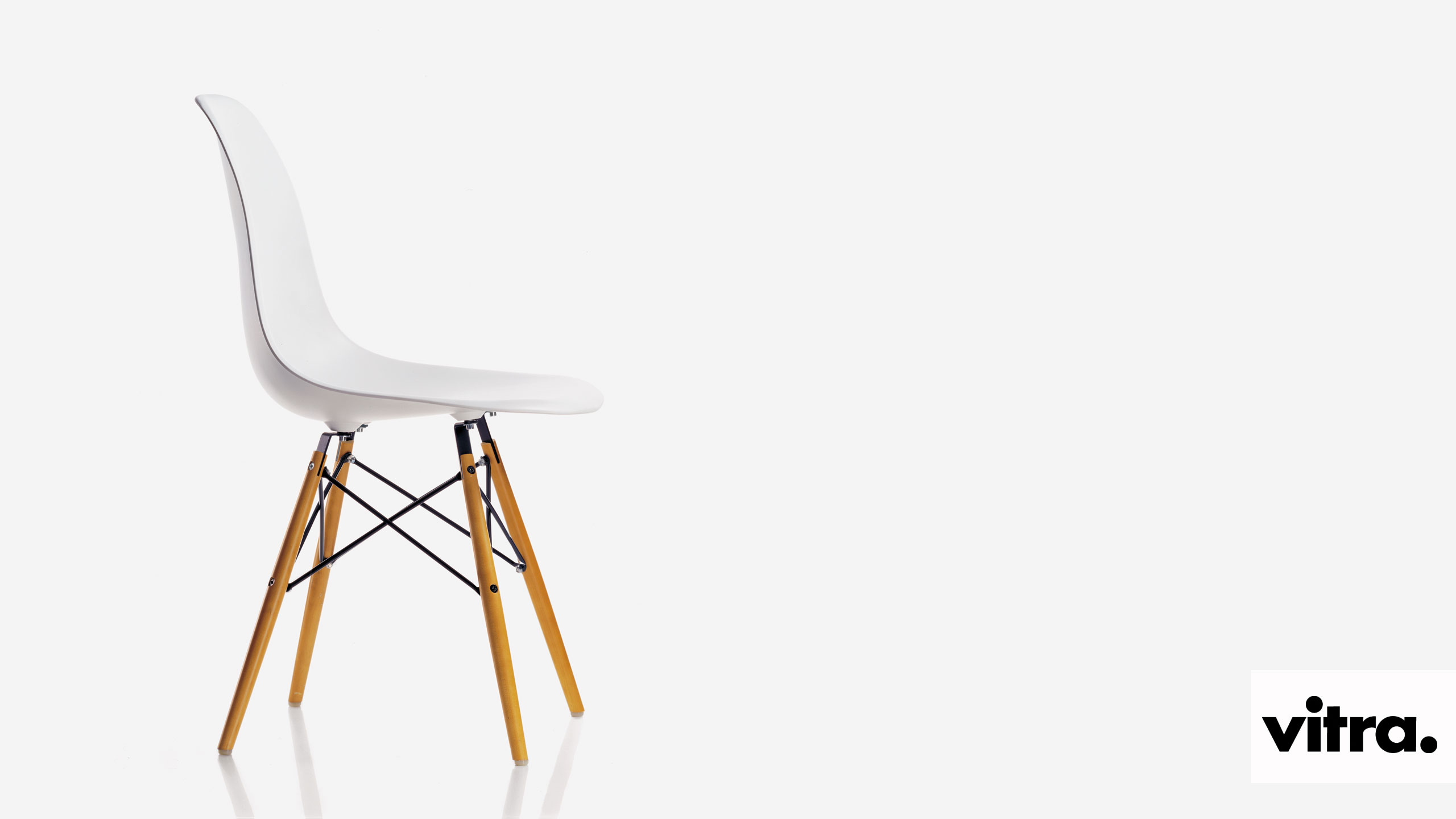 Vitra_Eames_Plastic_Side_Chair_DSW