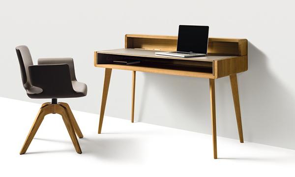 Sekretär Sol von Team 7 mit Schreibtischstuhl in Holz
