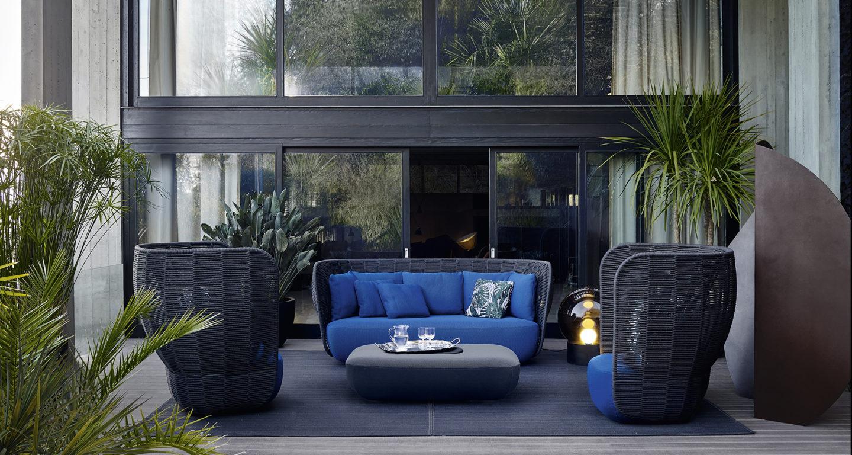 Bay Lounge in Königsblau von B&B Italia
