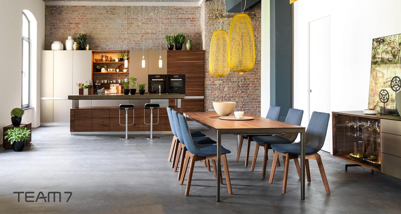 Küche Team 7 mit Esstisch